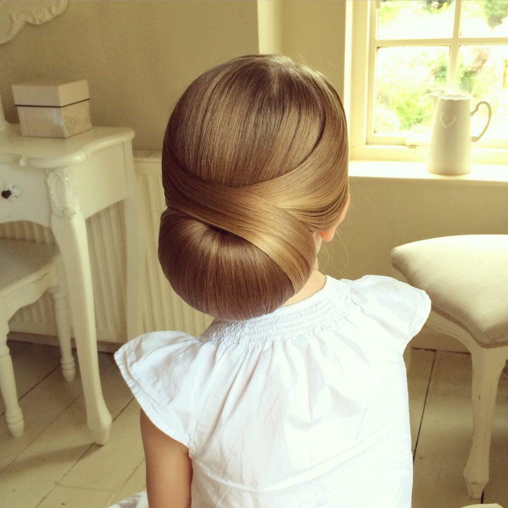 شینیون موی کودک بسیار ساده و زیبا