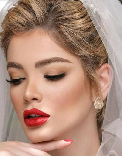 عروس با موی روشن
